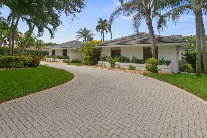 2819 Embassy Drive, West Palm Beach