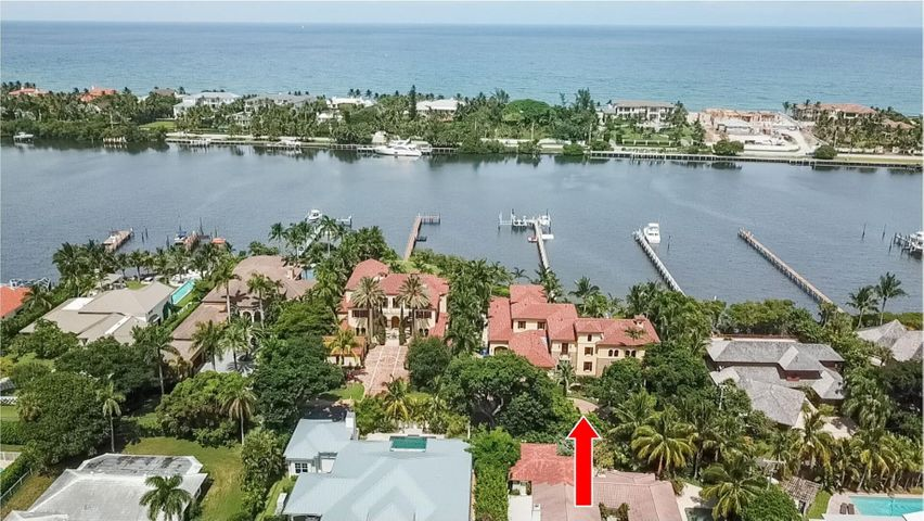 Outstanding Intracoastal location