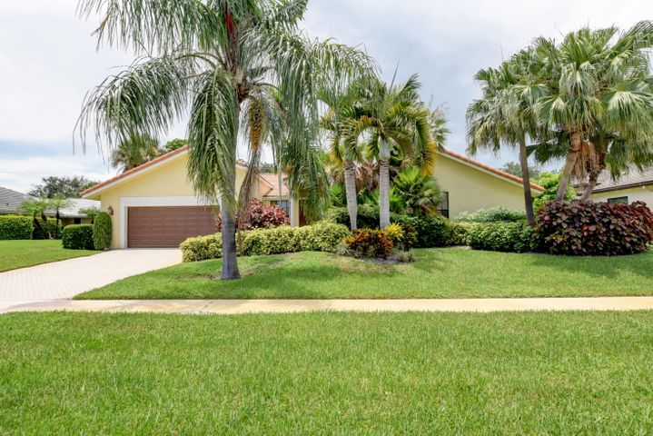 16801 Rose Apple Drive, Delray Beach, FL 33445