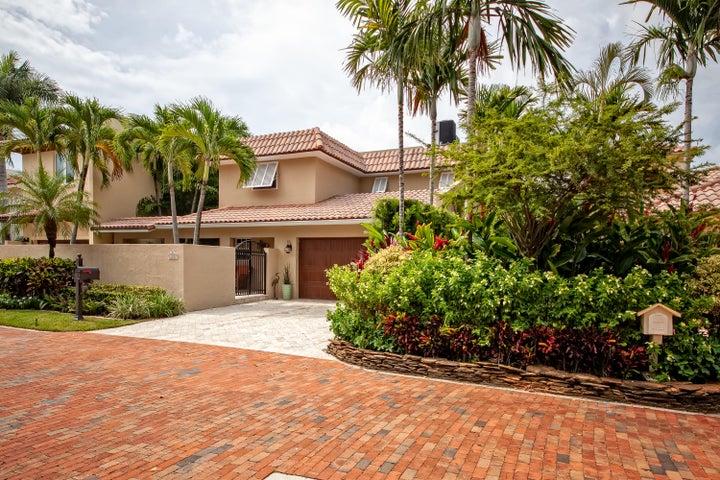 500 Commodore Circle, Delray Beach, FL 33483