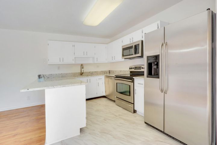 562 SE 27th Terrace, 44b, Boynton Beach, FL 33435