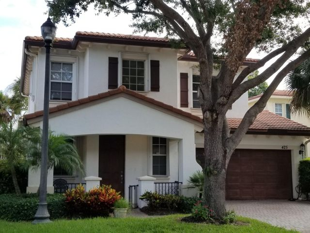 425 Pumpkin Drive, Palm Beach Gardens, FL 33410