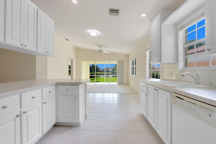 8573 SE Retreat Drive, Hobe Sound, FL 33455