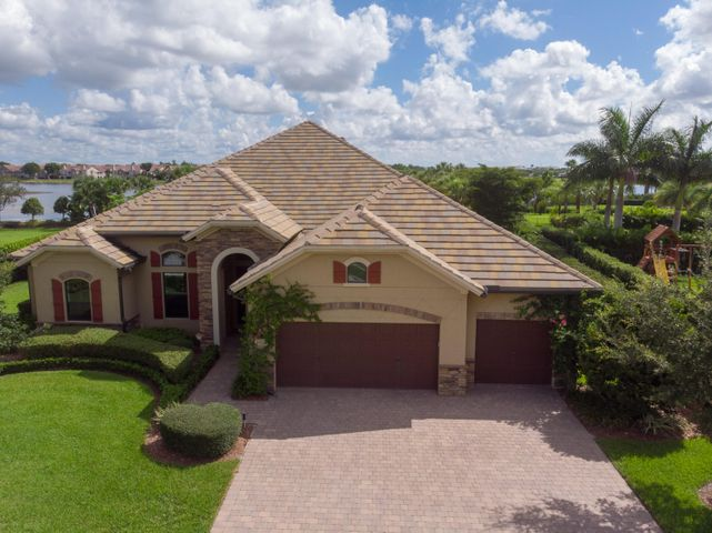 3607 Siena Cir Wellington FL