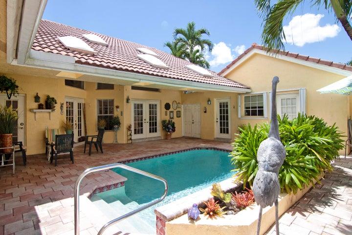 6074 Golf Villas Drive, Boynton Beach, FL 33437