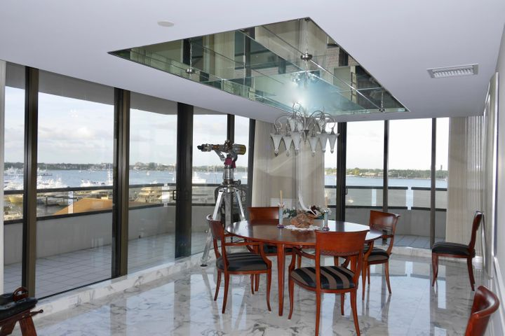 Panoramic Waterfront Views