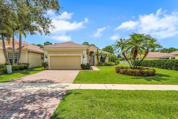 6791 SE Twin Oaks Circle, Stuart, FL 34997