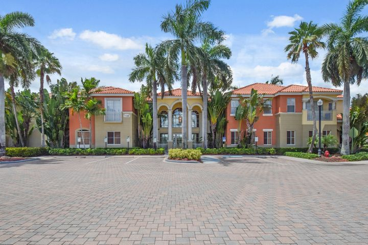 SUBSTANTIAL REDUCTION ON THIS PALM BEACH GARDENS RESORT CONDO AVAILABLE JANUARY - APRIL! NOW OFFERED FOR A MIN. 3 MONTH STAY @ $3500/mo. Interiors are light and bright with high ceilings, an open floor plan and a distinctive coastal vibe.  Both bedrooms include ensuite baths. Ideally located close to the beach and steps from the clubhouse, pool, hot tub, fitness center and tennis courts. Enjoy walking to Legacy Place filled with boutiques, restaurants, gelato shops and more. Across the street is 5 star shopping, movies and live entertainment at the Gardens Mall and Downtown at the Gardens. Championship golf is minutes away and the airport is 15 minutes door to door.