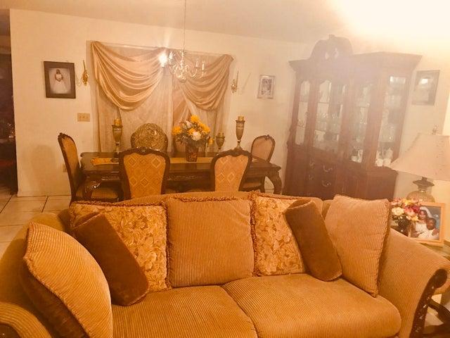 557 SW Cherryhill Road, Port Saint Lucie, FL 34953