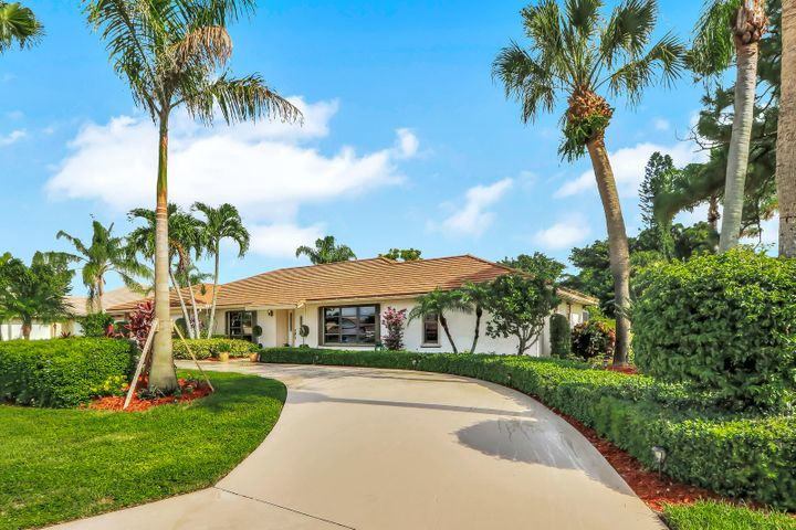 3743 SE Fairway E, Stuart, FL 34997