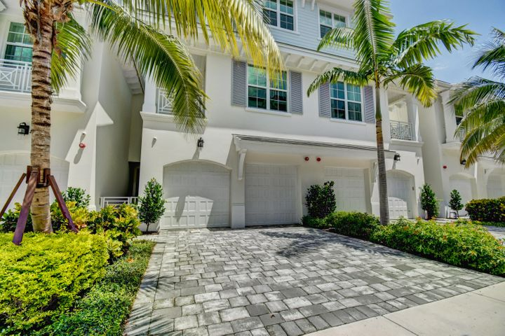 DEEDED BEACH ACCESS AND OCEAN VIEWS FROM THIS WELL APPOINTED LUXURY TOWNHOME IN EAST BOCA RATON. QUALITY CONSTRUCTION BUILT BY CJM COMMUNITIES. LUXURIOUS INTERIOR FEATURES INCLUDE DESIGNER CABINETS & CAESARSTONE COUNTERTOPS THROUGHOUT, THERMADOR LUXURY APPLIANCE PACKAGE INCLUDING DOUBLE OVEN AND  NATURAL GAS PRO RANGETOP, UPGRADED PORCELAIN TILE FEATURING WALL INSERTS, UPGRADED ENGINEERED WOOD FLOORS, UPGRADED CARPET IN MASTER BEDROOM AND CLUB ROOM, CUSTOM BUILT INS, CUSTOM MOLDING DETAILS, ELECTRIC FIREPLACE, UPGRADED CONTROL 4 SMART HOME SYSTEM WITH 4 CAMERA SURVEILLANCE SYSTEM, ALARM SYSTEM INTEGRATION, 8 SPEAKERS AND 10'' TOUCH PAD. ENJOY OCEAN BREEZES FROM YOUR PRIVATE COVERED LANAI WITH SUMMER KITCHEN AND BUILT IN GAS BBQ. PRIVATE POOL FEATURES SHEER DECENT WATER FEATURE, CUSTOM WALL CLADDING, AND NATURAL GAS RANGE.  THIS HOME HAS A TRANSFERRABLE 2-10 HOMEBUYER HOME WARRANTY.  THIS IS A GREAT OPPORTUNITY TO OWN AN ALMOST NEW HOME IN A VERY DESIRABLE AND LOW MAINTENANCE EAST BOCA COMMUNITY.