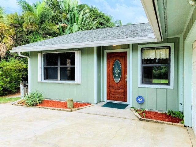 4994 SE Pine Knoll Way, Stuart, FL 34997