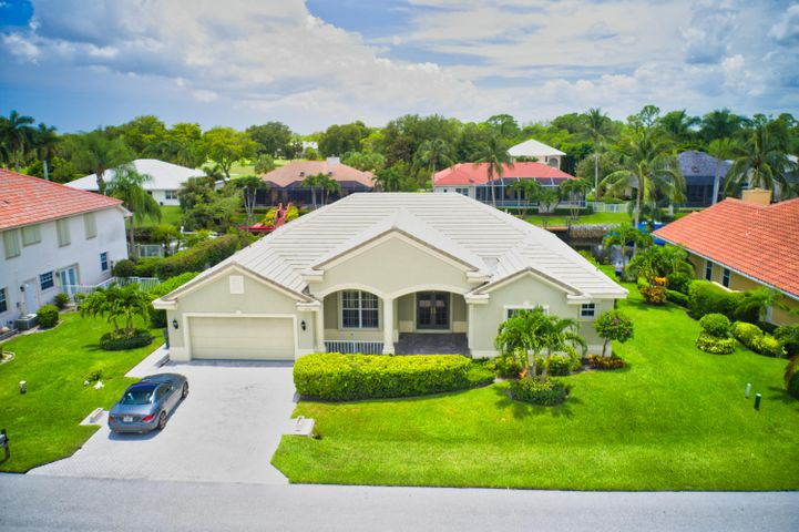 8756 SE Water Oak Place, Tequesta, FL 33469