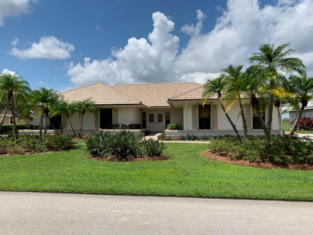 32 Dunbar Road, Palm Beach Gardens, FL 33418