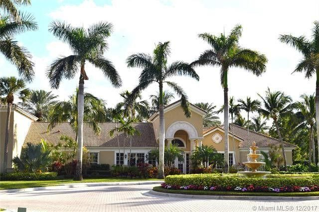 Fabulous 1st floor unit in Lighthouse Cove of Tequesta. Tile floor in living, kitchen and bathrooms. Granite countertops, new refrigerator, 2018 A/C, screened in patio.  Lighthouse Cove has a resort style pool, fitness center, billiards, grills, beach volleyball, tennis courts and picnic area.  Minutes to beach! Don't miss out on this one! More pics to come