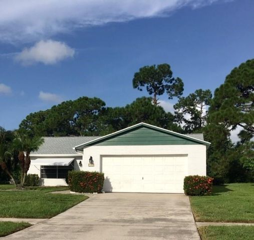 146 Village Circle, Jupiter, FL 33458