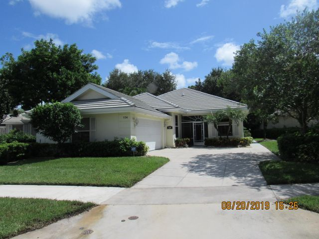 124 NW Bentley Circle, Saint Lucie West, FL 34986
