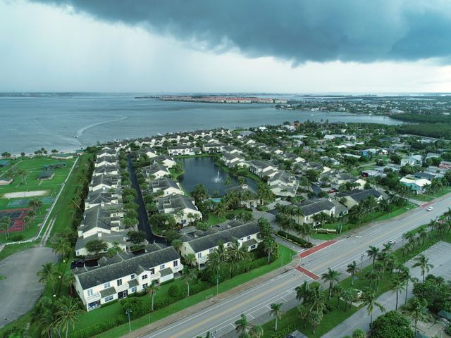 1907 Mariner Bay Boulevard, Hutchinson Island, FL 34949