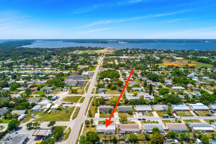 2405 NE Rustic Place, Jensen Beach, FL 34957