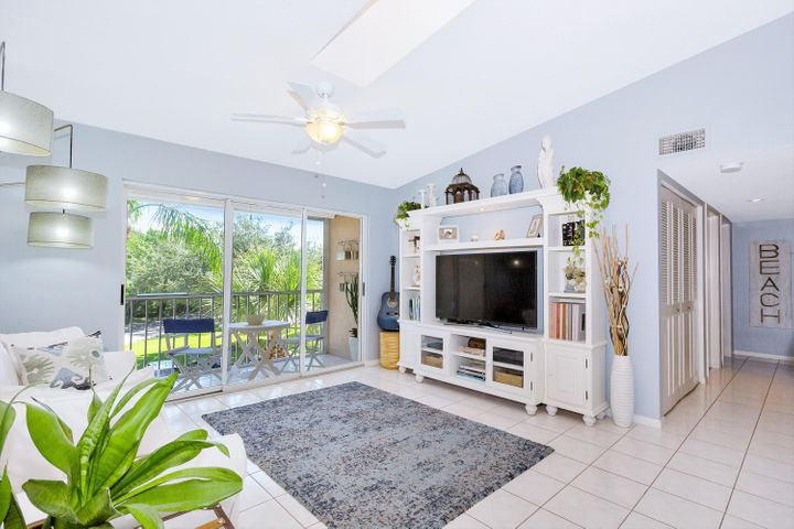 13771 Oneida Drive, C3, Delray Beach, FL 33446