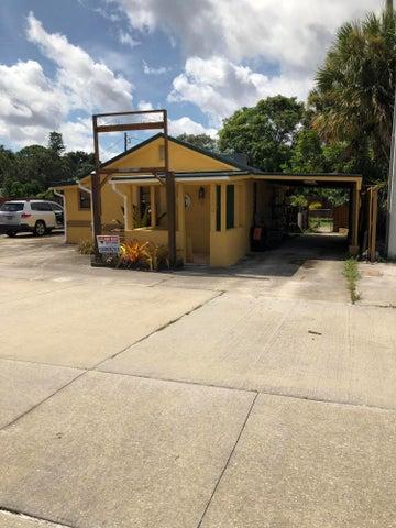 1330 NE Dixie Highway, Jensen Beach, FL 34957