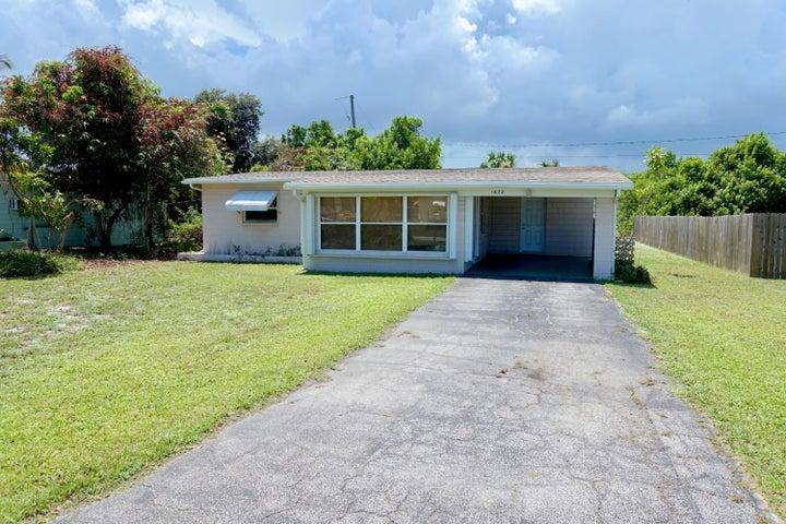 1622 NE Maureen Court, Jensen Beach, FL 34957
