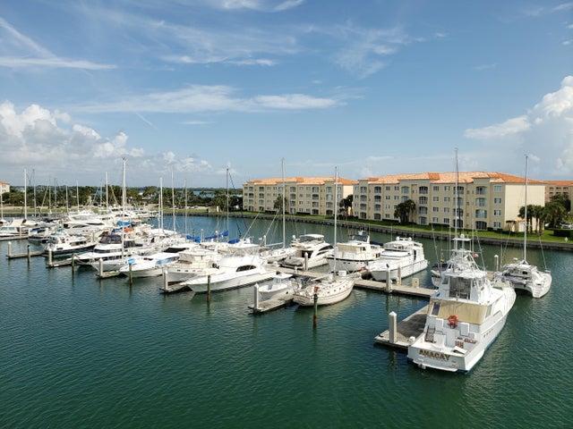 16 Harbour Isle Drive W, Ph01, Fort Pierce, FL 34949