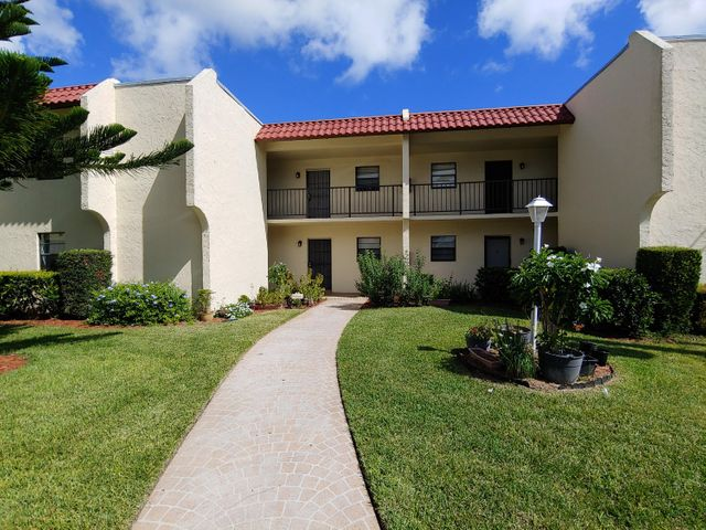 2050 Oleander Blvd, 205, Fort Pierce, FL 34950