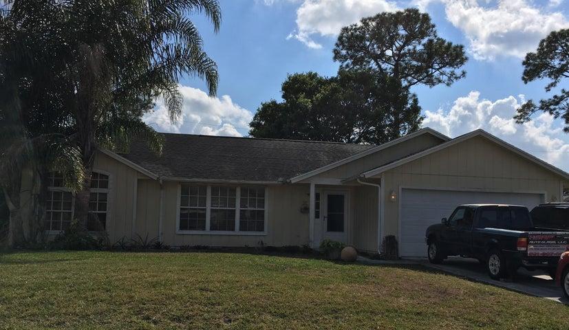 1422 SW Santiago Avenue, Port Saint Lucie, FL 34953