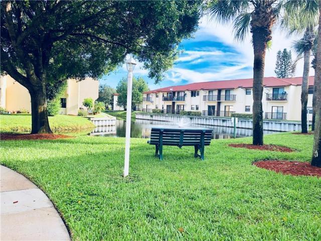 2050 Oleander Boulevard, 2-204, Fort Pierce, FL 34950