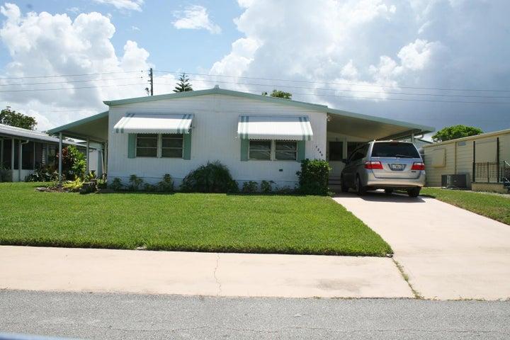 7248 SE Swan Avenue, Hobe Sound, FL 33455