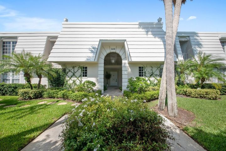 240 N County Road, 201, Palm Beach, FL 33480