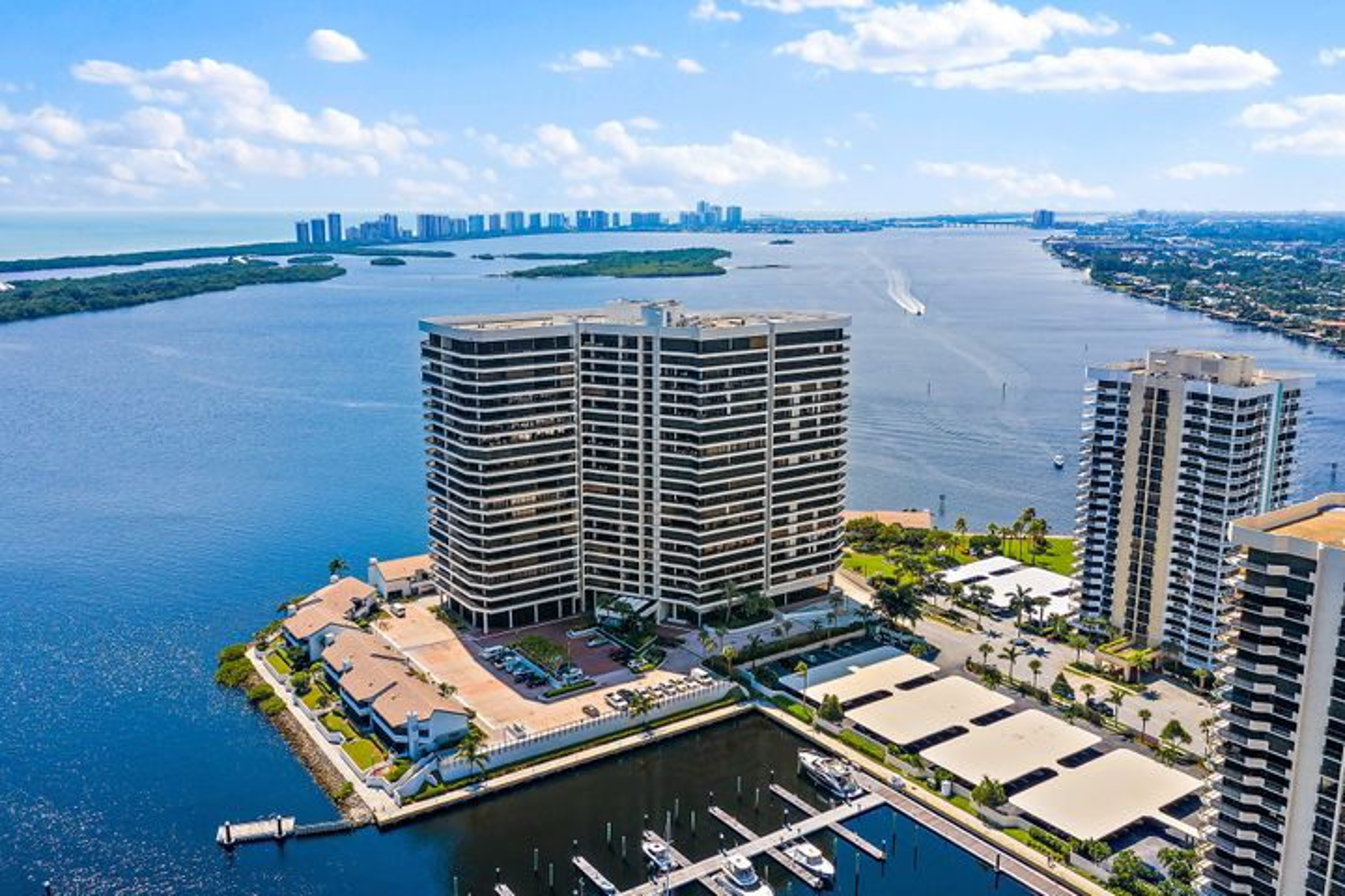 100 Lakeshore Drive, 1452, North Palm Beach, FL 33408