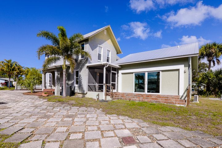 109 Riverview Dr. Drive, Jensen Beach, FL 34957