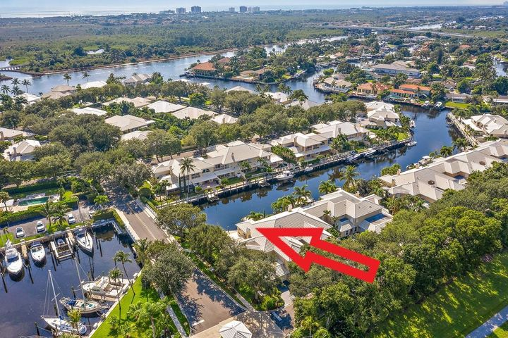 Close to Intracoastal Waterway!