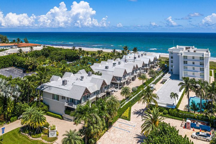 Primely situated on the ocean, near all the action, Seaside Dunes is the best-kept coastal secret.