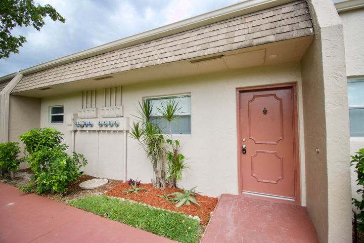 400 Bonnie Boulevard, 153, Palm Springs, FL 33461