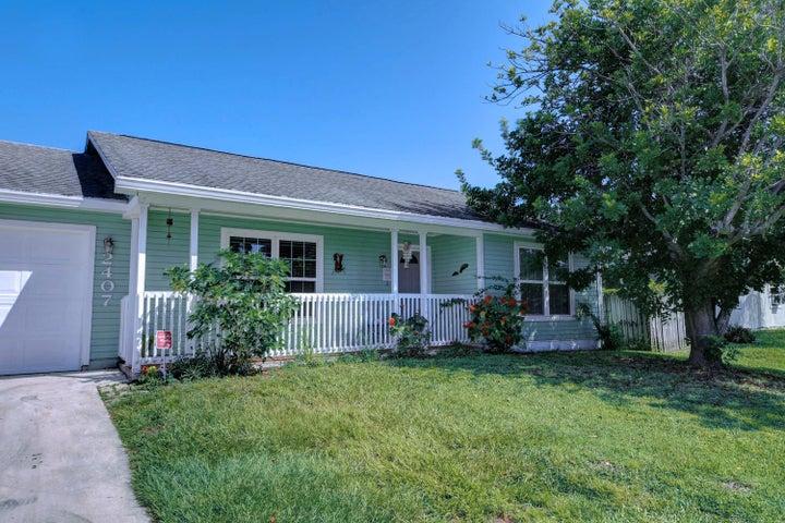 2407 SE Monroe Street, Stuart, FL 34997
