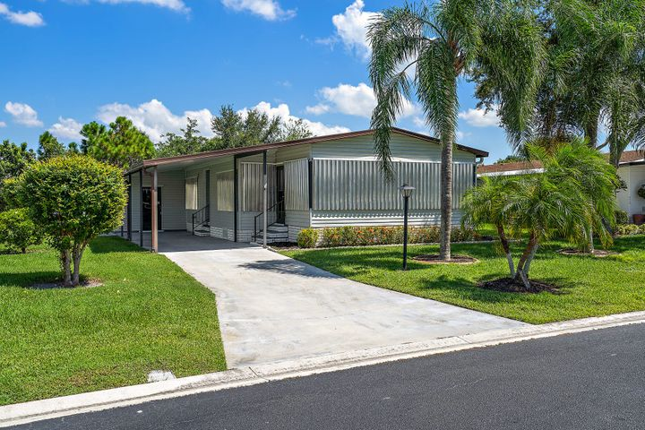 8933 SW Chevy Circle, Stuart, FL 34997