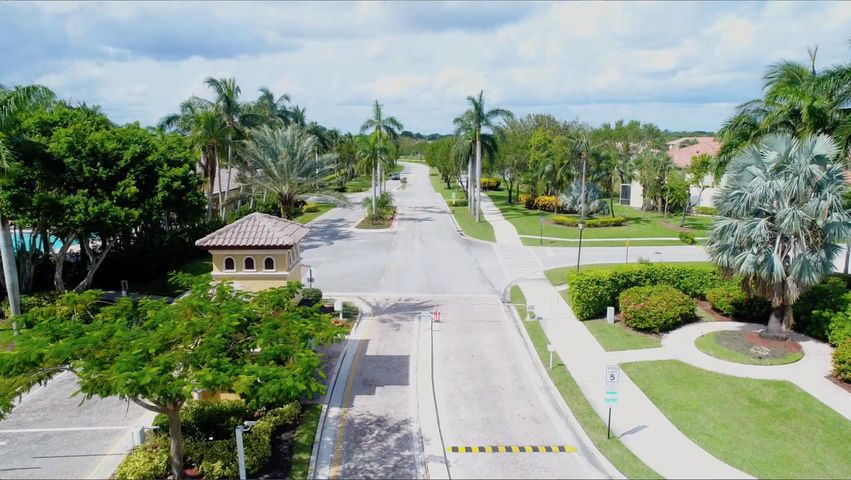 8387 Via Leonessa, Boca Raton, FL 33433