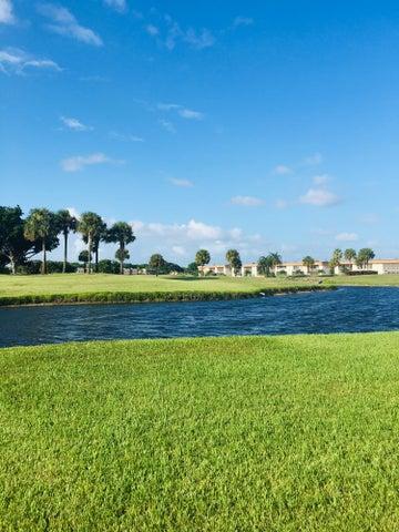 817 Flanders R, Delray Beach, FL 33484