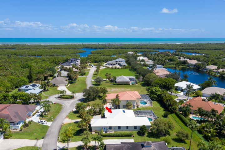 8240 SE Pilots Cove Terrace, Hobe Sound, FL 33455
