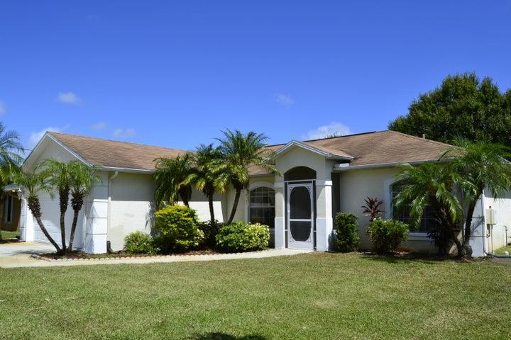 5441 NW Arrowhead Terrace, Saint Lucie West, FL 34986