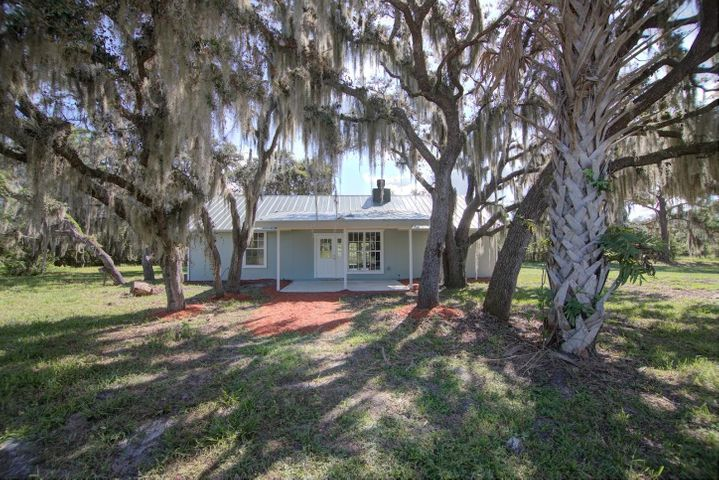 8951 SW Fox Brown Road, Indiantown, FL 34956