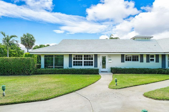 Live in the Heart of Delray Beach Barrier Island.