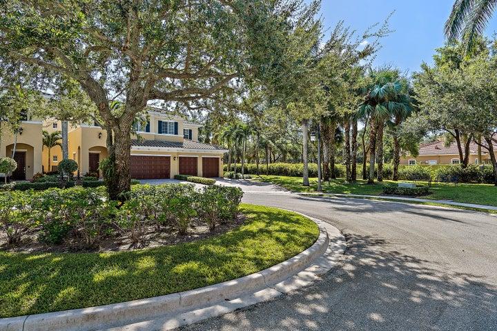360 Chambord Terrace, Palm Beach Gardens, FL 33410