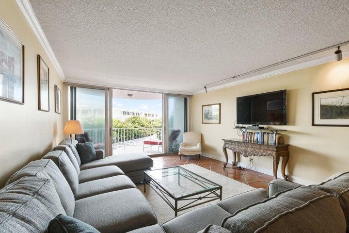 2295 S Ocean Boulevard, 318, Palm Beach, FL 33480