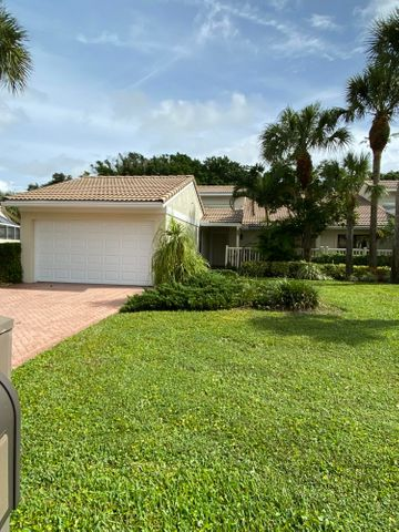 24 Hampshire Lane, Boynton Beach, FL 33436