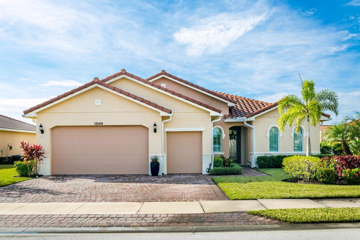 10144 SW Cypress Wood Court, Port Saint Lucie, FL 34987