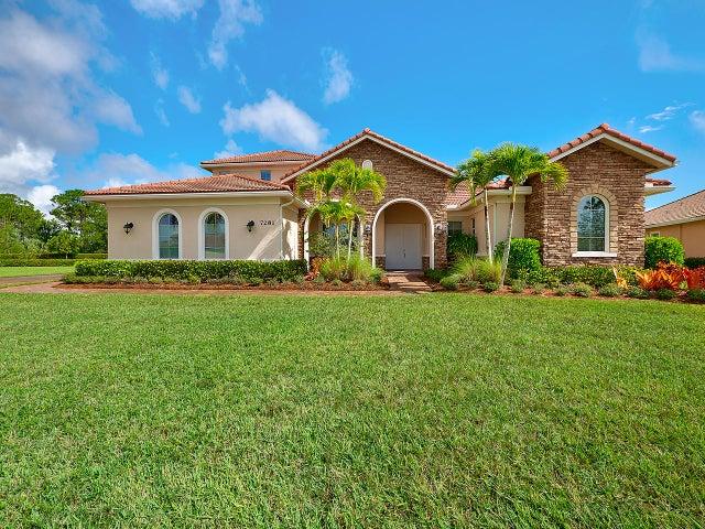 7281 SE Pierre Circle, Stuart, FL 34997